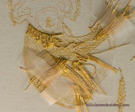 Example of how to manage multiple threads when couching in goldwork